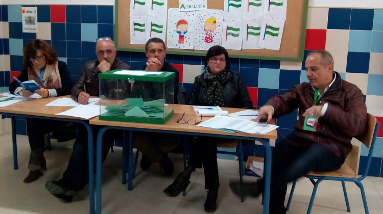 Mesa electoral en la ciudad de Jaén