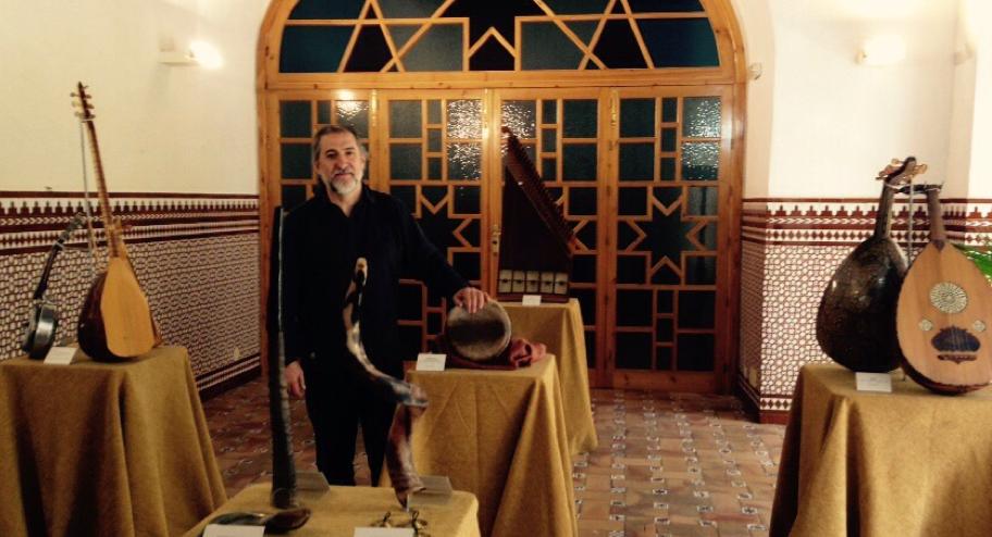Exposición ocre y azul. M.A.B. Diario Guadalquivir