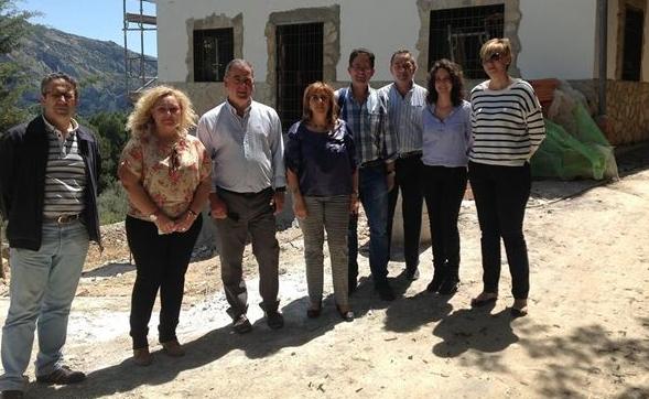 Foto de archivo de la presentación de las obras del hotel rural en Quesada