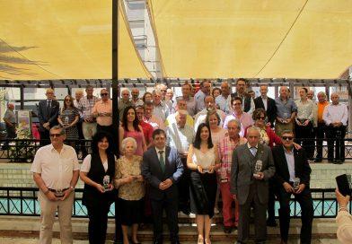 Valdepeñas de Jaén homenajea a alcaldes y concejales de esta localidad en los 40 años de ayuntamientos democráticos