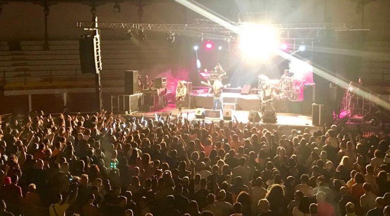 """Medina Azahara """"abarrota"""" la Plaza de Toros de Sabiote con su rock andaluz"""