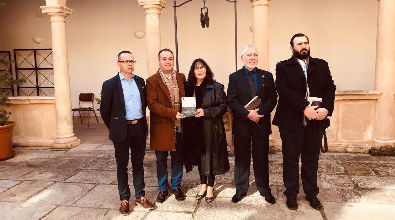 """Manuela Herrera Molina presentó en Sabiote """"Con mi lápiz y mi papel"""""""
