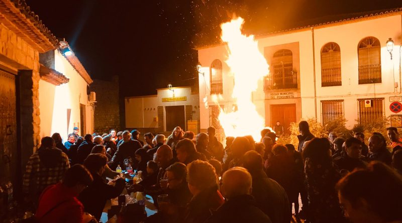 San Antón en Sabiote es sinónimo de hoguera y tradición