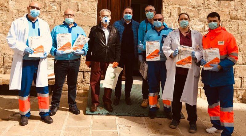 La SCA San Ginés y San Isidro en colaboración con el Ayuntamiento de Sabiote distribuye diversos material de EPI para centros sanitarios y sociosanitarios