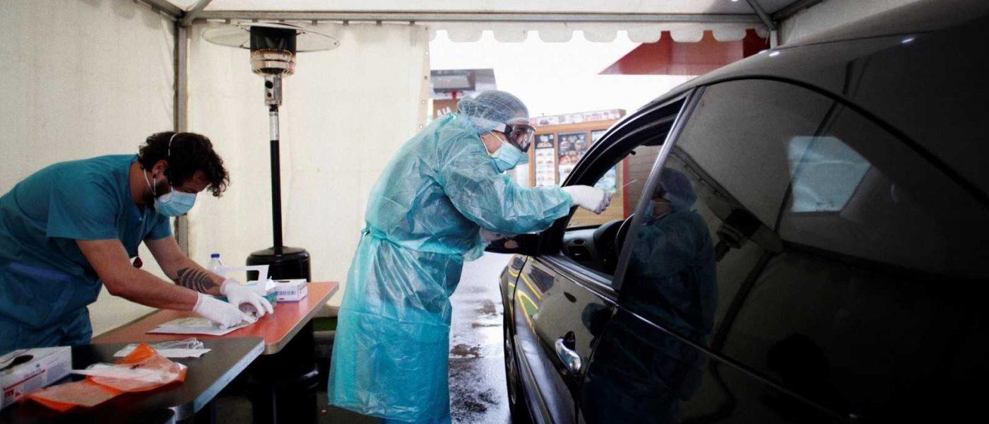 La Junta incorpora en Jaén 14 puntos para la nueva prueba de coronavirus que permite recoger la muestra sin bajarse del coche