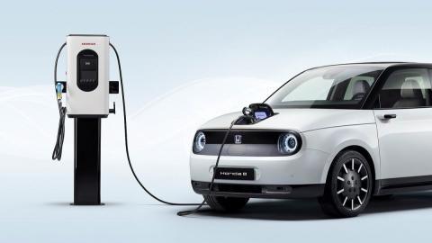 Abierto el plazo para solicitar ayudas de hasta 5.500 euros a la compra de coches eléctricos
