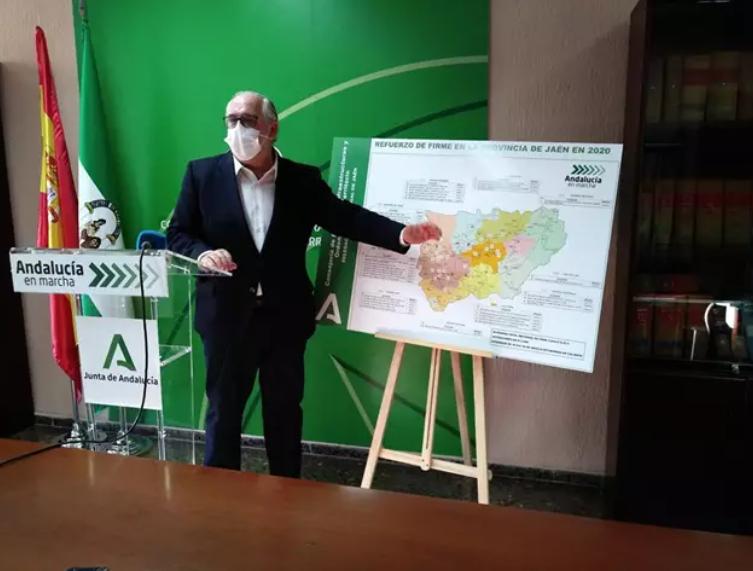 Fomento realizó el año pasado 40 obras de refuerzo del firme en carreteras de 30 municipios de Jaén
