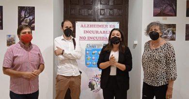 José Antonio Palomares ofrece en La Carolina su arte a beneficio de la Asociación de Alzheimer Felipa Delgado